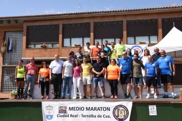 Gemma Arenas y Javier Martín vencen en la Media de C. Real – Torralba Cva.